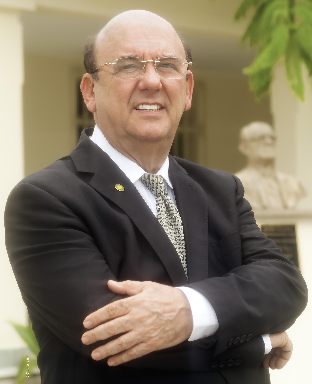 Damião Portrait - Cultura - Os Secretários