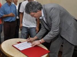 ricardo assina decreto para carteiras de estudantes foto francisco frança_portal secom-pb0001 (1)