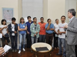 ricardo assina decreto para carteiras de estudantes foto francisco frança_portal secom-pb0001 (2)
