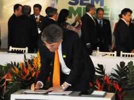 25.07.11 ricardo_alagoas_assinatura_plano_brasil_sem_miseria (1)