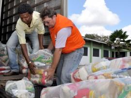 defesa cilvil entrega cestas basicas  foto walter rafael secom pb014