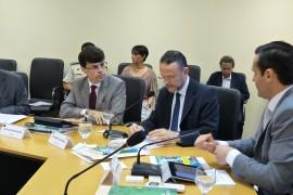 Secretário Gustavo Nogueira com o presidente do BNDES Luciano Coutinho