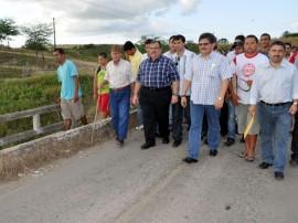 gov romulo gouveia visita estrada em galante foto claudio goes secom pb_1