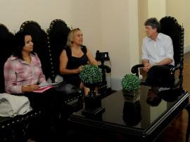 ricardo recebe diretores da ong amigos do peito foto jose marques secom pb002