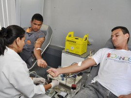 05.10.11 Campanha doação de sangue no hospital de trauma foto walter rafael (11)