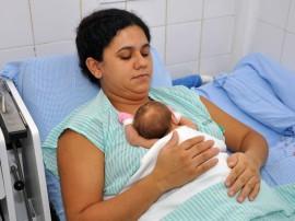 Ministerio da Saude visita projeto Maes Canguru na Maternidade Frei Damiao Foto Antonio David 8