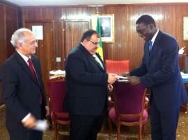romulo com embaixador do senegal foto secom pb P
