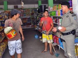 01.12.11 policia_comunitaria_mandacaru_foto_joao francisco (19)