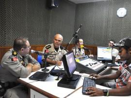 comandante do 5 batalhao da pm na radio de cruz das armas foto antonio david secom pb (3)