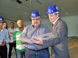 romulo visita obras do call center em campina grande (2)