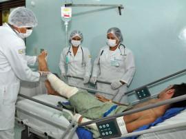 02.05.2012 reabilitaçao de queimados no trauma foto joao francisco secom pb (6)