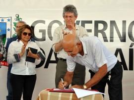 ricardo assina com empresarios do catole do rocha foto francisco franca (4)