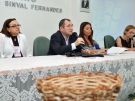 04.06.12 defensores_promotores_debate_enfrenta_mentoviol (3)