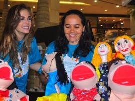 24.10.12 Pamela visita feira de brinquedos_fotos Roberto Guedes Secom PB (6)