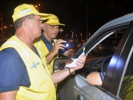 pm e detran realizam operacao lei seca 15 270x202 - 'Lei Seca' realiza 436 testes de bafômetro e prende motorista em João Pessoa