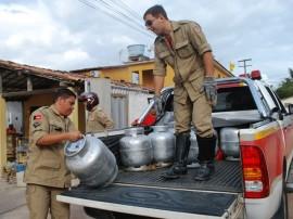 08.11.12 Bombeiros Apreensão de Botijão_Fotos Evandro (2)