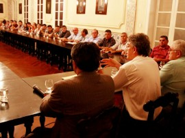 ricardo com prefeitos foto francisco frança secom pb_7433 (3)