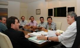 REUNIÃO COM GERVASIO MAIA-HERVASIO BEZERRA E PREFEITOS (5)-portal