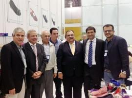 Rômulo Gouveia ao lado do Presidente da Alpargatas, Márcio Utsch, Presidente da Francal, Abdala Jamil, Prefeito Romero Rodrigues