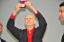 ariano suassuna recebe medalha e realiza palestra foto roberto guedes (2)