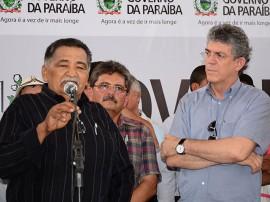 08.03.13 ricardo assina ordem serviço em caraúbas_fotos roberto guedes secom pb (2)