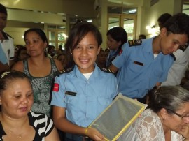 20.03.13 alunos_colegio_pm_recebem_tablets (5)
