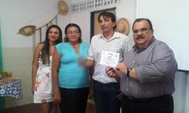 Rômulo Gouveia recebe certificado no Núcleo de Mulheres