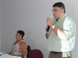 manejo clínico da Tuberculose-  médico Paulo Albuquerque  e médica pneumologista  Liamar Borga, do Centro de Referência Professor Hélio Fraga