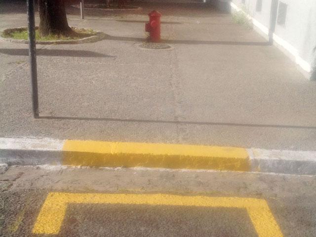 12.04.13 hidrante 2 - Bombeiros fiscalizam estacionamento de veículos próximo a hidrantes