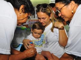 20.04.13 campanha vacinacao fotos roberto guedes secom pb 9 270x202 - Quase 197 mil pessoas são imunizadas contra a gripe na Paraíba
