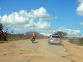 26.04.13 ricardo pocinhos fotos jose marques 270x202 - Ricardo autoriza R$ 110 milhões em obras na região de Esperança