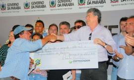 ARARUNA12 270x162 - Ricardo autoriza licitação de adutora e entrega créditos em Araruna