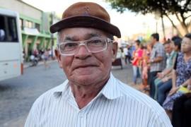 aposentado areia 270x180 - Em Areia, Ricardo autoriza obras e beneficia mais de 20 mil pessoas