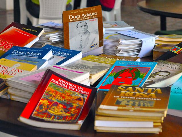 biblioteca publica acervo de livros paraibanos foto jose lins 41 - Atividades educativas marcam Dia do Livro no Espaço Cultural