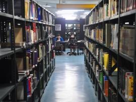 biblioteca publica da funesc foto roberto guedes 39 270x202 - Governo discute implantação de bibliotecas em municípios paraibanos