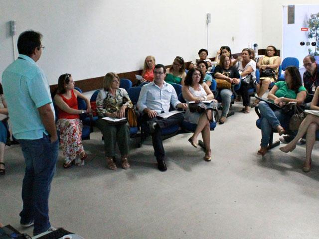 controle da qualidade da agua para consumo humano Ricardo Puppe 1 1 - Governo reúne técnicos para discutir ações de controle da qualidade da água para consumo humano