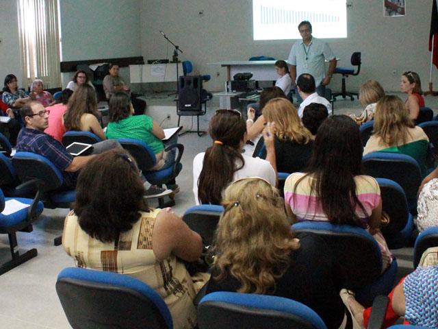 controle da qualidade da agua para consumo humano Ricardo Puppe 1 - Governo reúne técnicos para discutir ações de controle da qualidade da água para consumo humano
