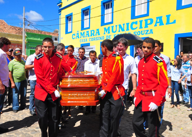 enterro dorgival terceiro neto foto kleide teixeira 05 - Corpo de Dorgival Terceiro Neto é sepultado em Taperoá