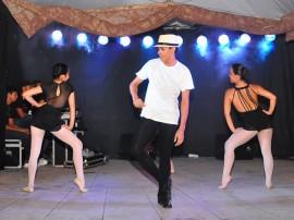funesc dia internacional da danca apresentacao grupo fragmentos em praca foto walter rafael 37 270x202 - Plateias lotadas marcam apresentações do Dia Internacional da Dança