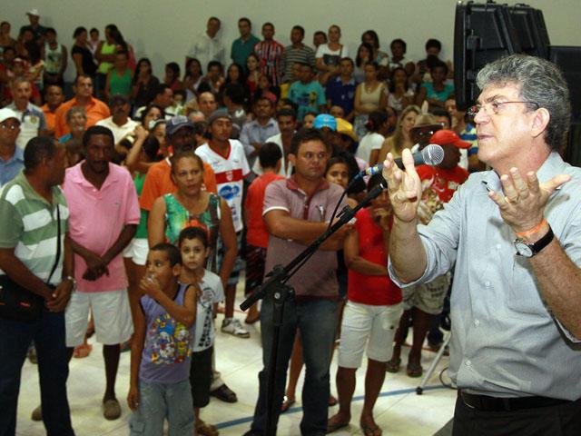 ginasio em sao miguel de taipu foto francisco frança 5 - Governo inaugura primeiro ginásio esportivo de São Miguel de Taipu