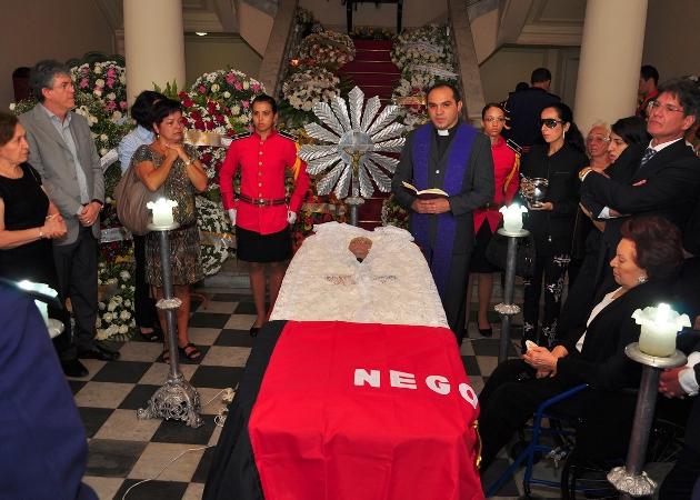 homenagem portal 11 - Corpo de Dorgival Terceiro Neto é velado com honras de chefe de Estado