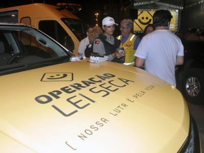 lei seca roberto guedes - 'Lei Seca' flagra 13 motoristas da Capital no fim de semana