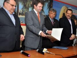 possesec adj interiorizaoc grande 21 270x202 - Moacir Barbosa é empossado como secretário executivo da Interiorização