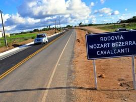 ricardo inauguracao estrada tabuleiro foto kleide teixeira 01 270x202 - Ricardo inaugura rodovia beneficiando mais de 20 mil pessoas em Bananeiras