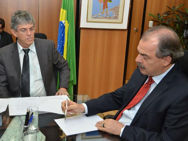 ricardo ministro educacao fotos alberi pontes 7 - Em Brasília, Ricardo discute ampliação de escolas técnicas federais e estaduais