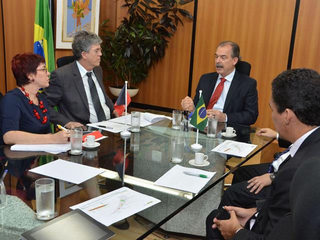 ricardo ministro educacao fotos alberi pontes 8 - Em Brasília, Ricardo discute ampliação de escolas técnicas federais e estaduais