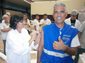 vacinação 270x202 - Hospital de Trauma vacina servidores contra gripe