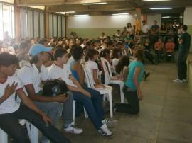 02.05.13 escolar estadual cg realiza projeto 11 270x202 - Projeto previne uso de drogas em escola estadual de Campina Grande