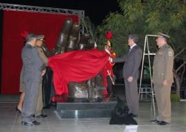 29.05.13 RICARDO pm concede homenagens militares 1 270x192 - Ricardo presta homenagem a militares mortos e feridos em serviço