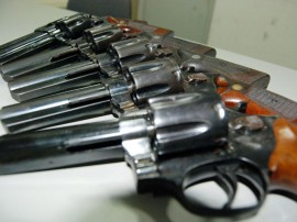 Armas apreendidas 01.07.2011 0141 270x202 - Polícia apreende mais de 179 quilos de drogas e 892 armas em quatro meses